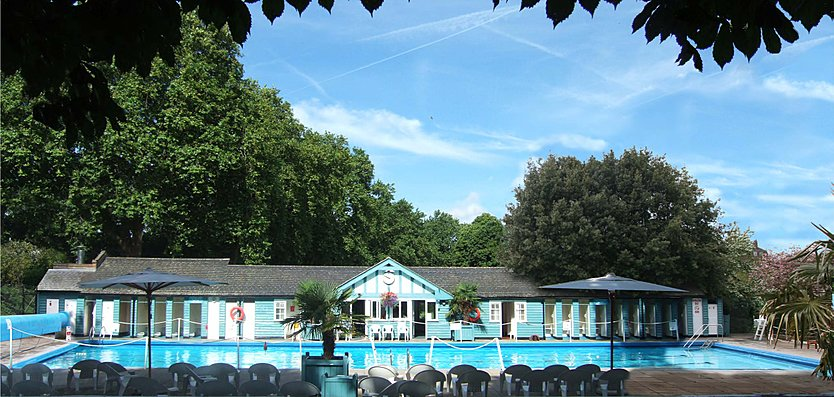 Front view of the Hurlingham Club Outdoor Pool